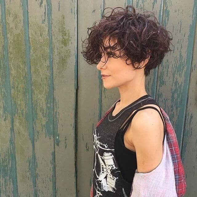 Photo of 50 idee per capelli corti e ricci per un look alla moda e femminile