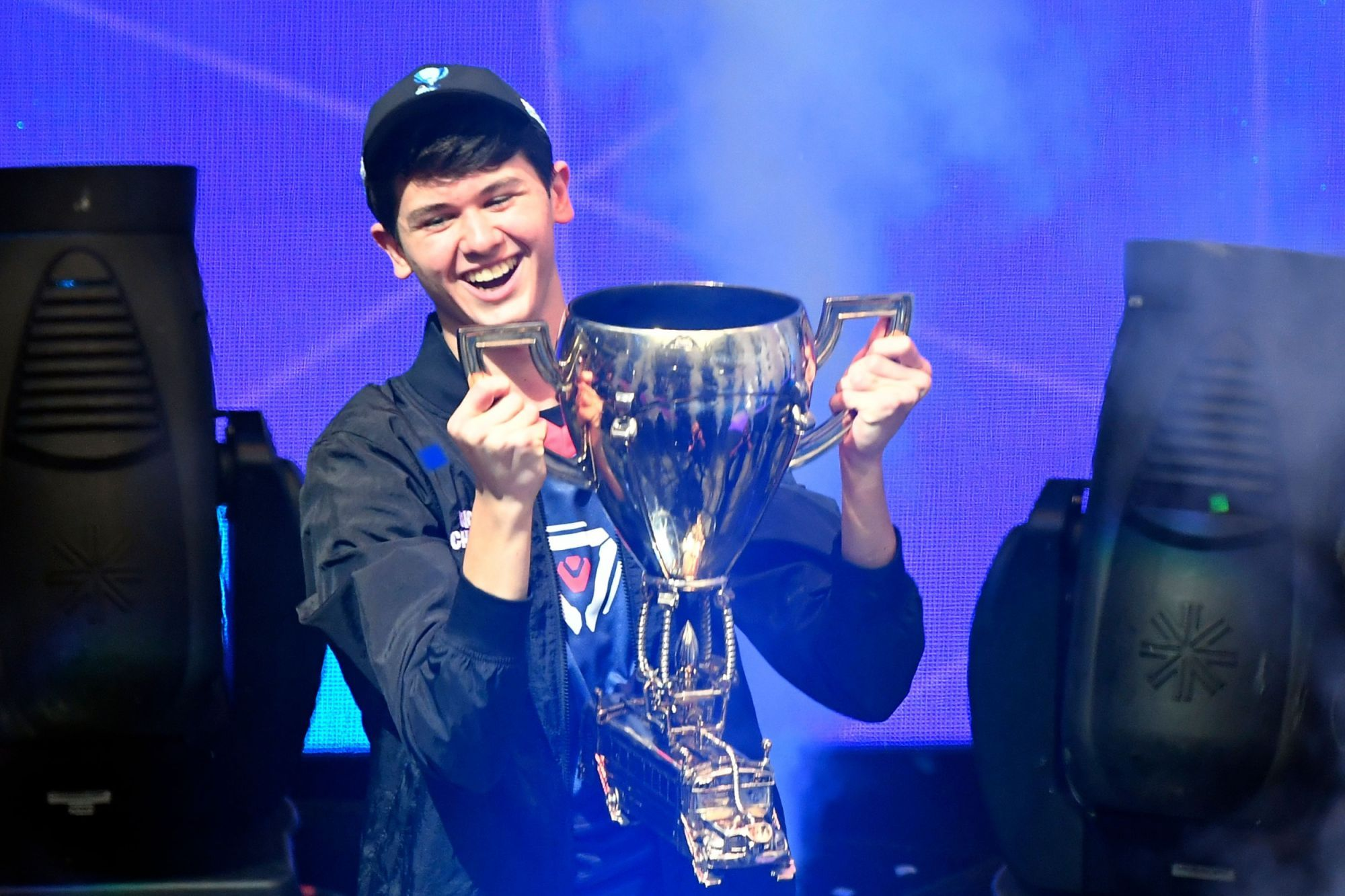 16 Year Old Wins First Ever Fortnite World Cup And 3m World Cup 16 Year Old Video Game Tournaments