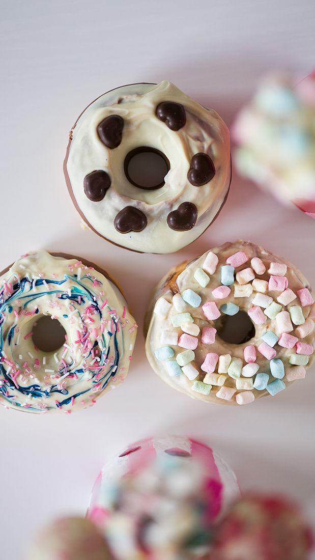 Selbstgemachte Donuts - Rezeptidee für Valentinstag