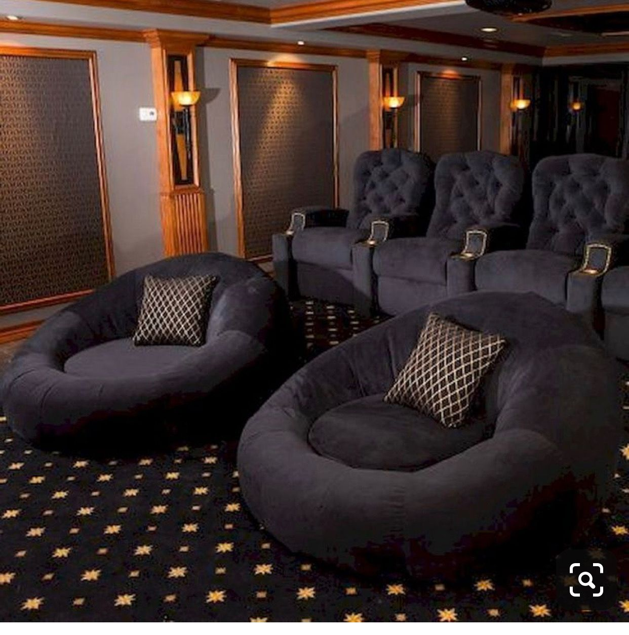 Pin By Alexandria Guzman On Movie Theater Room Ideas In 2020 Home Cinema Room Home Theater Seating Small Living Room Decor