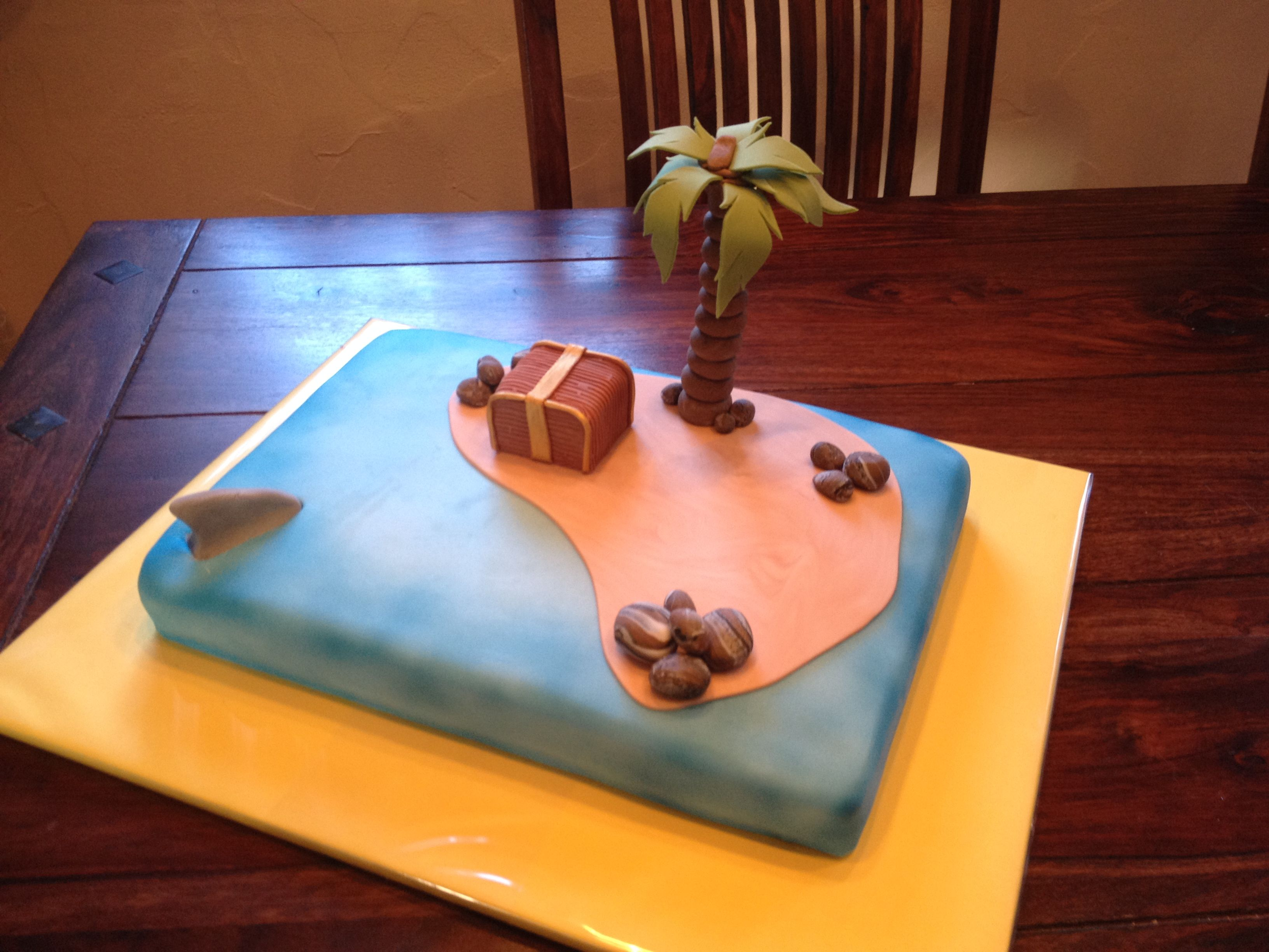 Insel Kuchen mit Hai
