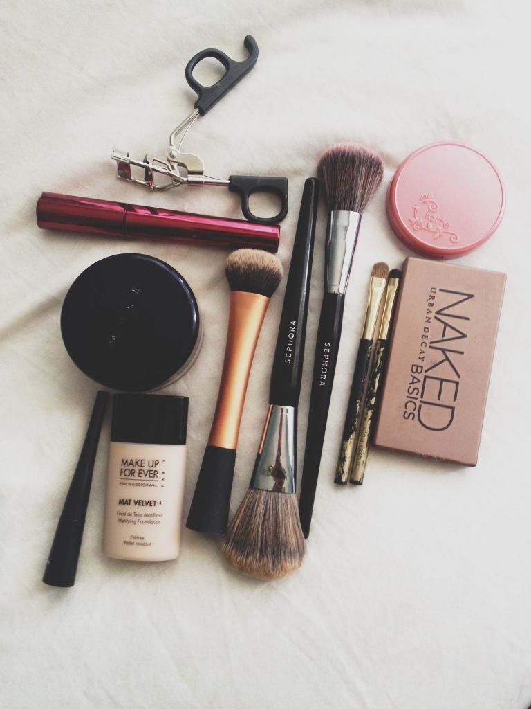 Hair4 and Beauty everyday makeup essentials advise dress for winter in 2019