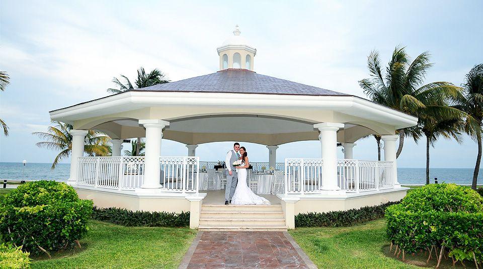 A Perfect Gazebo On The Caribbean For A Destinationwedding Palace Resorts Weddings Moon Palace Cancun Wedding Destination Wedding Dream Beach Wedding