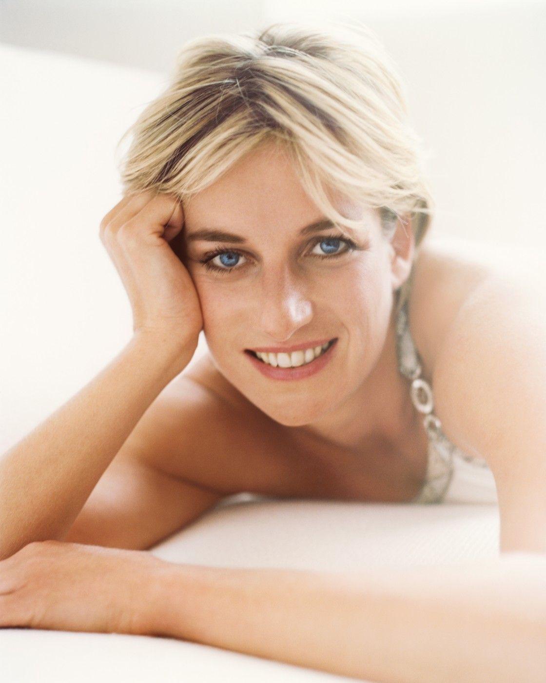 Meghan Markle's Vanity Fair Beauty Style