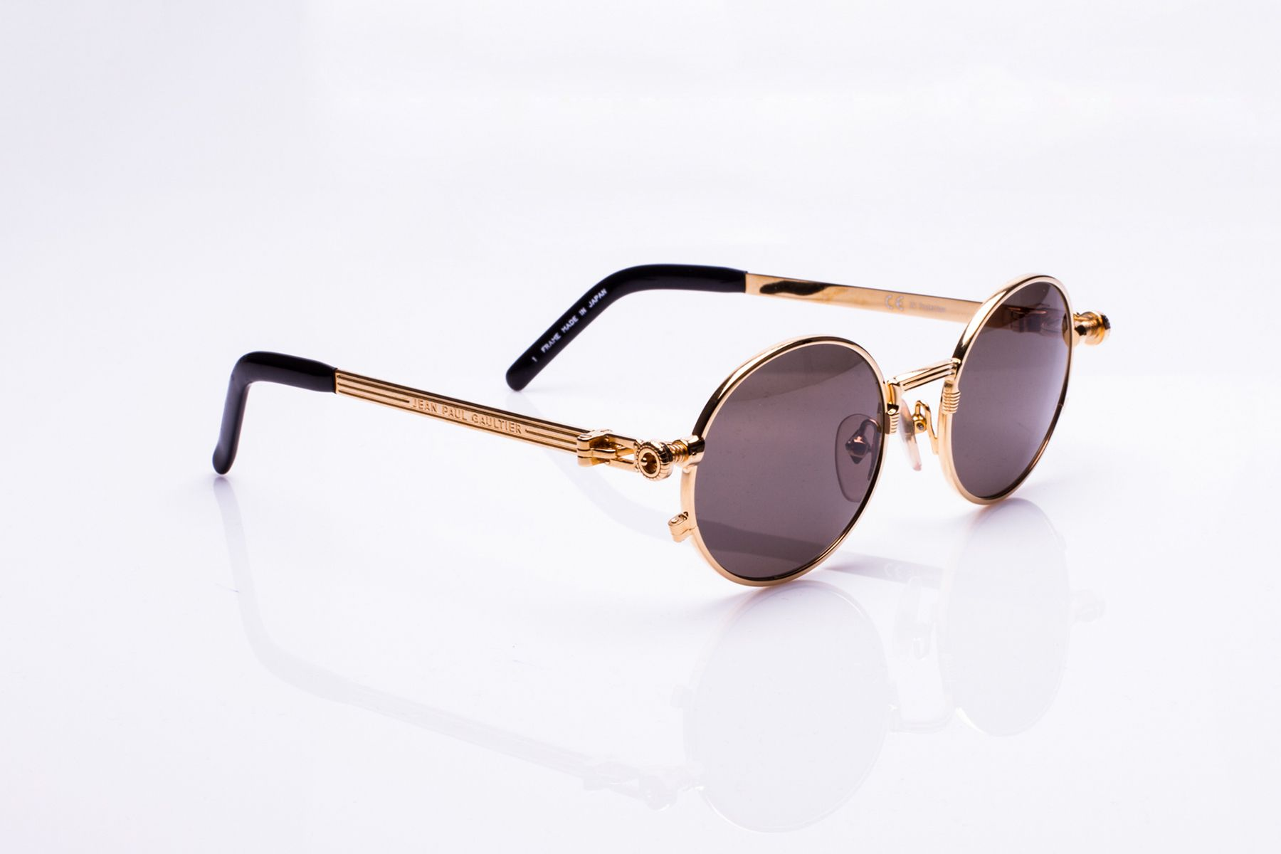 81e556a8923a6 Here s 17 Vintage Frames Streetwear Brands Try to Imitate