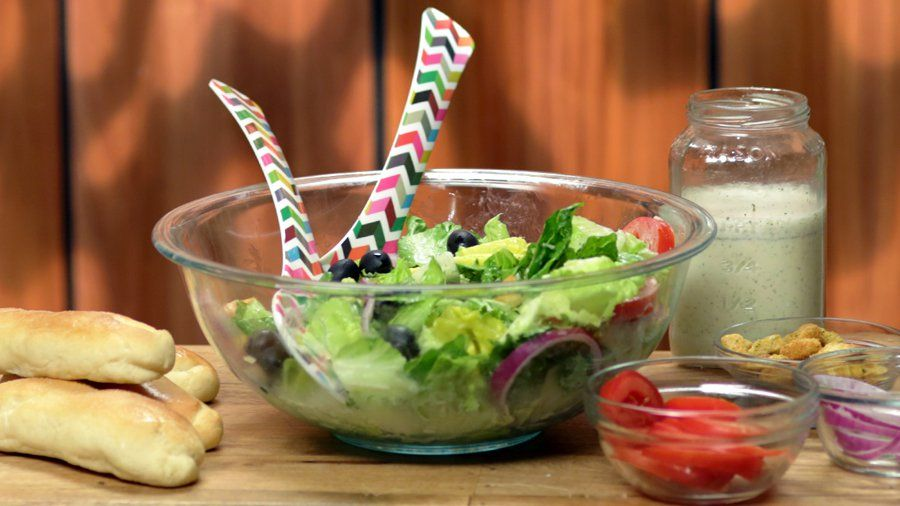 Re-Create Olive Garden\'s Salad and Breadsticks at Home: People who ...
