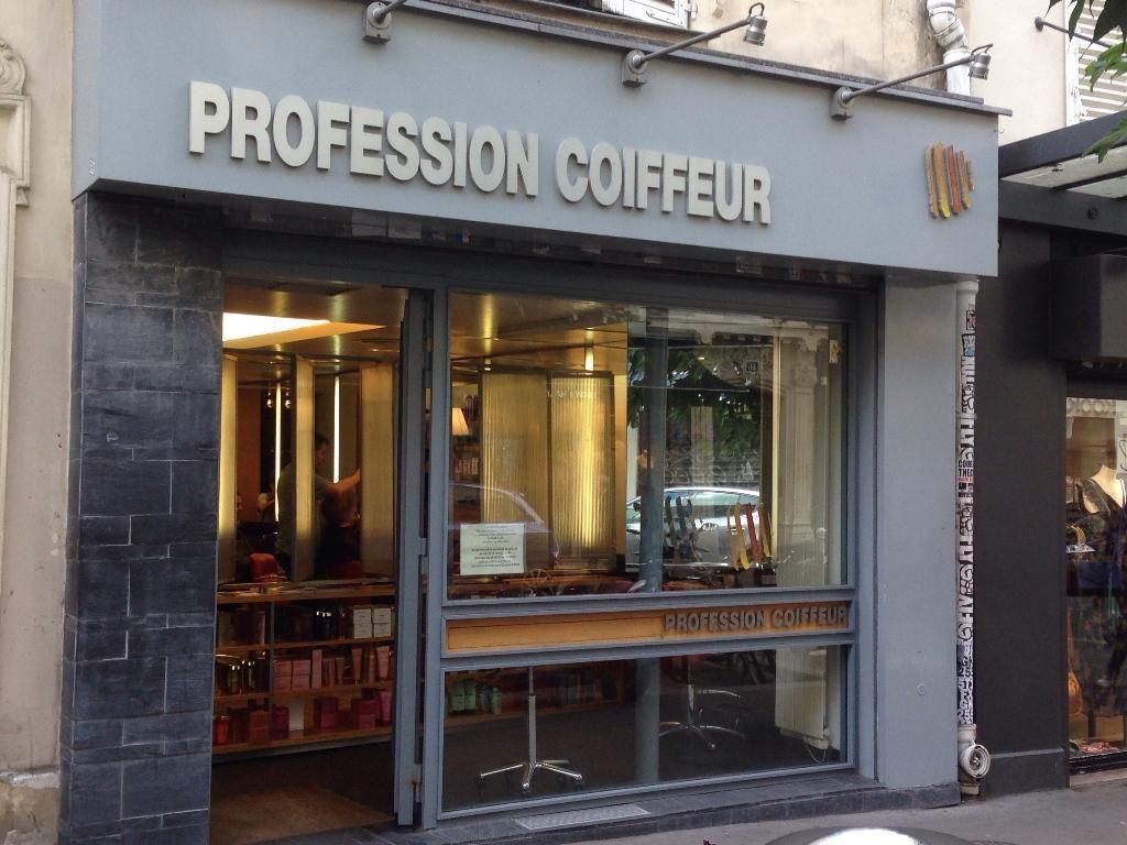 Profession Coiffeur 45 Rue Des Abbesses Paris 18e Coiffeur Salon De Coiffure Rue