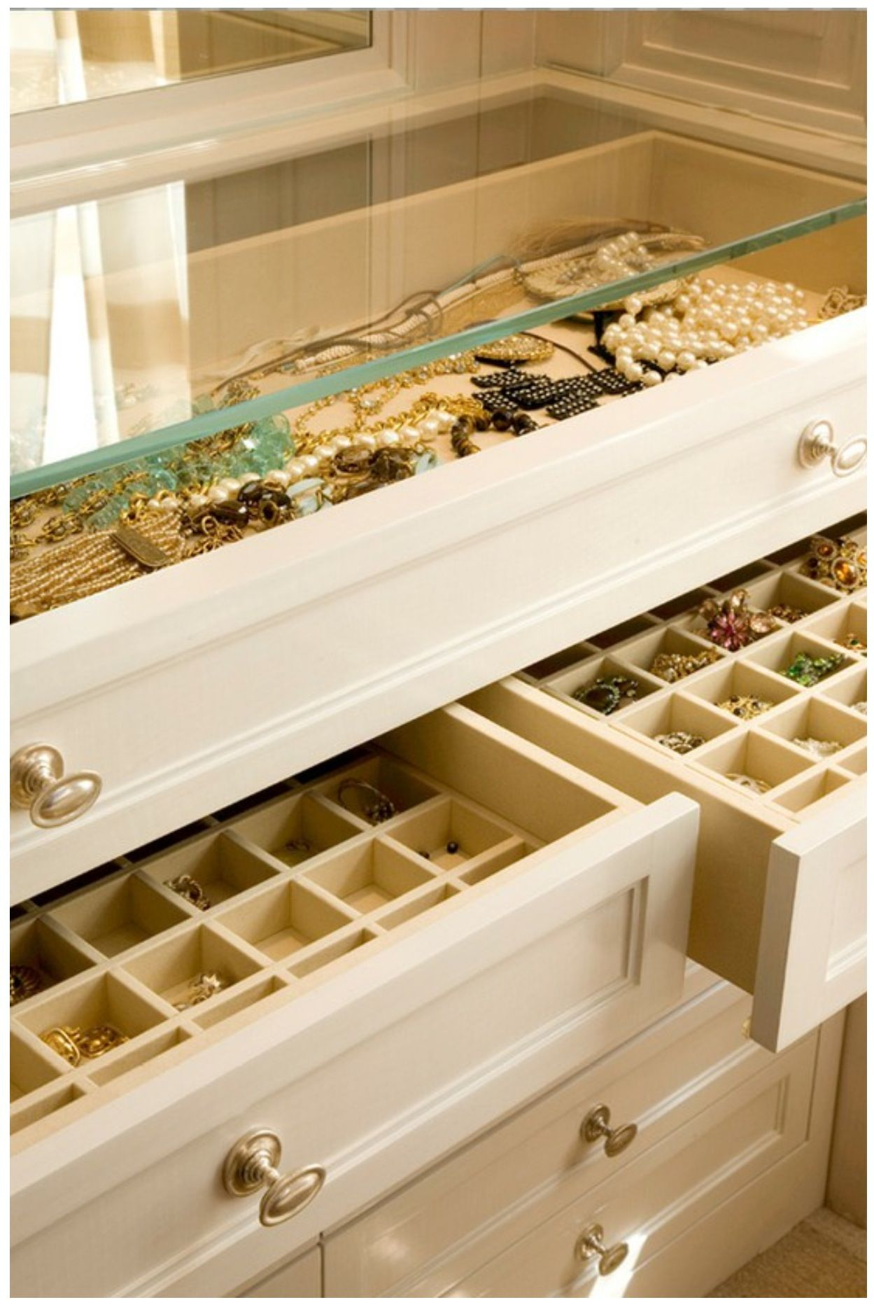 Jewelry storage - I NEED this