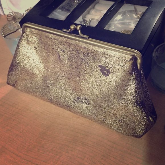 Distressed Kenneth Cole Clutch Cute but discolored/ distressed KC clutch. Used once or twice. Kenneth Cole Bags Clutches & Wristlets