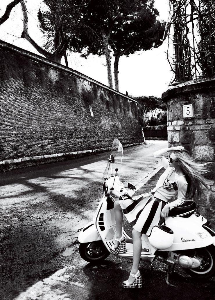 Amanda Seyfried by Mario Testino for Vogue US June 2015 6