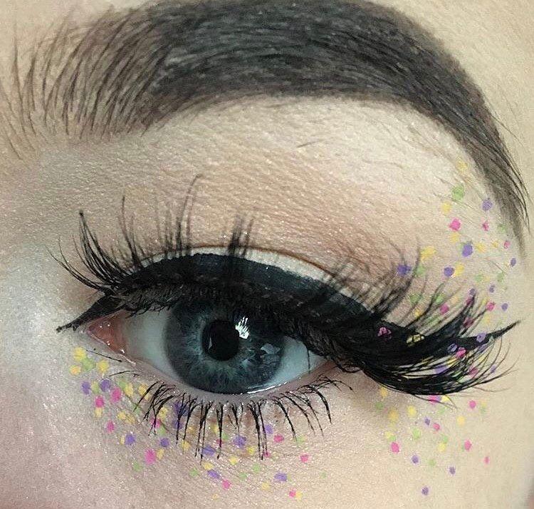 "60 likerklikk, 2 kommentarer – Luna Lashes  (@luna.lashes) på Instagram: ""@alchemymua wearing 'Brooke' Lashes! Her work is always so creative! ✨"""
