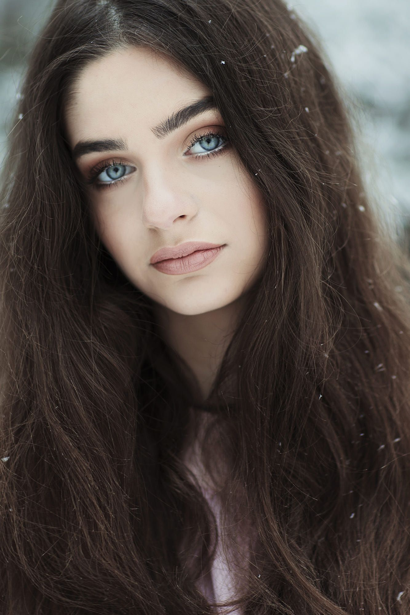 Pin By Kamil Malagocki On Pastel Colors Dark Hair Blue Eyes