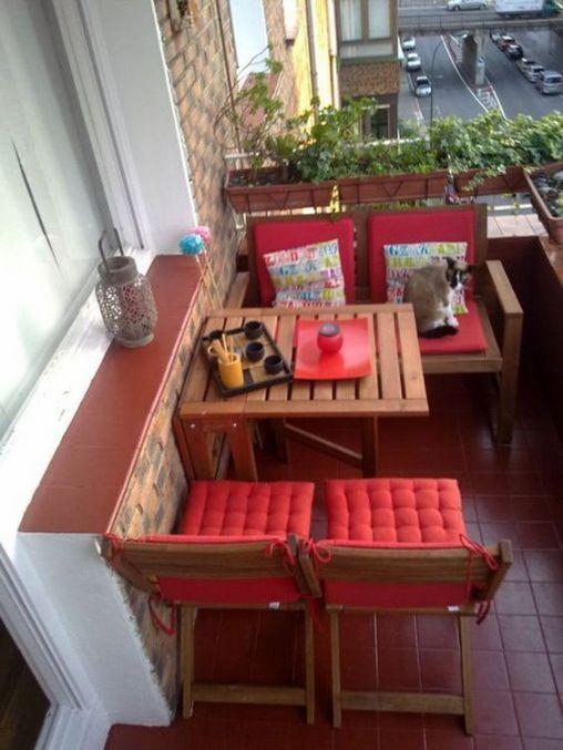 31+ Stilvolle und gemütliche kleine Balkonideen für die Wohnung | manlikemarvinsparks.com #smalllivingspaces