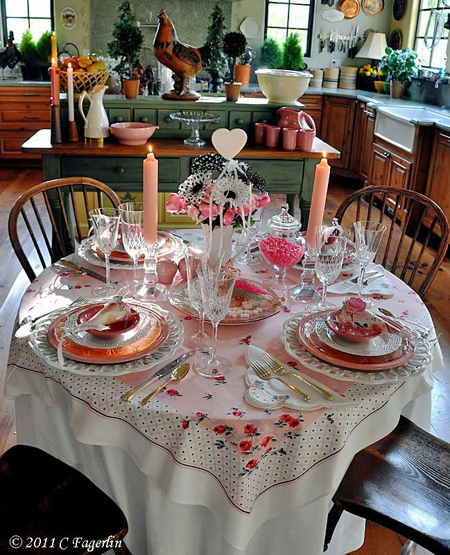 The Little Round Table Featured This Valentine Table Settings That Iu0027m Just  Drooling Over