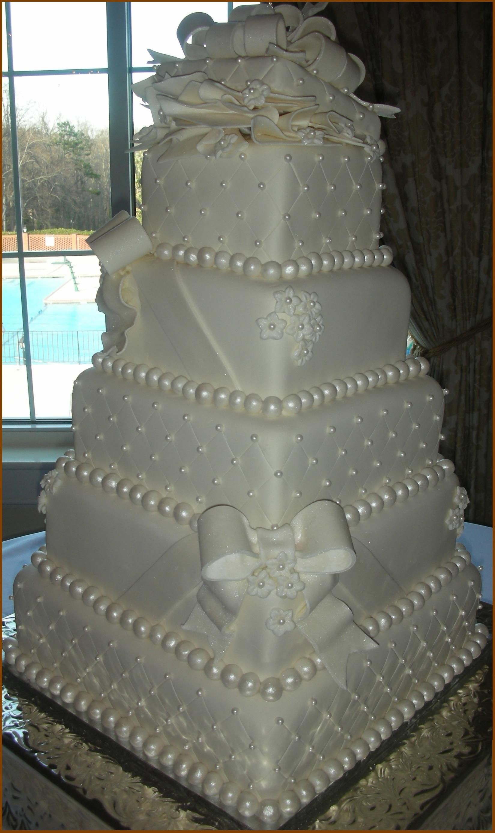 I Decorated This While Working For A Local Bakery Copied From Picture In Magazine That The Bride Brought
