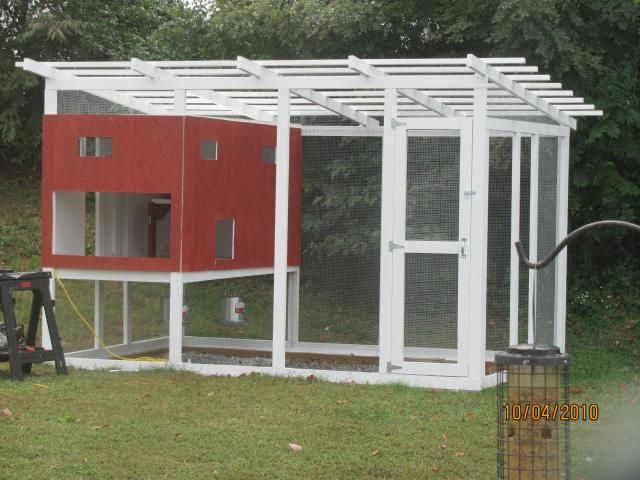 3 blueprint designs on building your own chicken coop for Large chicken coop ideas