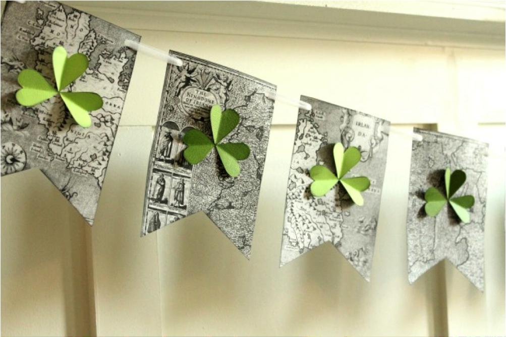 Shamrock banner...neat idea for my very Irish family =)