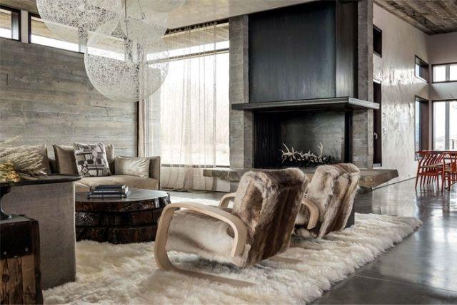 rustikales berghaus einrichtung luxus pelzen teppich wohnzimmer kamin fen pinterest. Black Bedroom Furniture Sets. Home Design Ideas