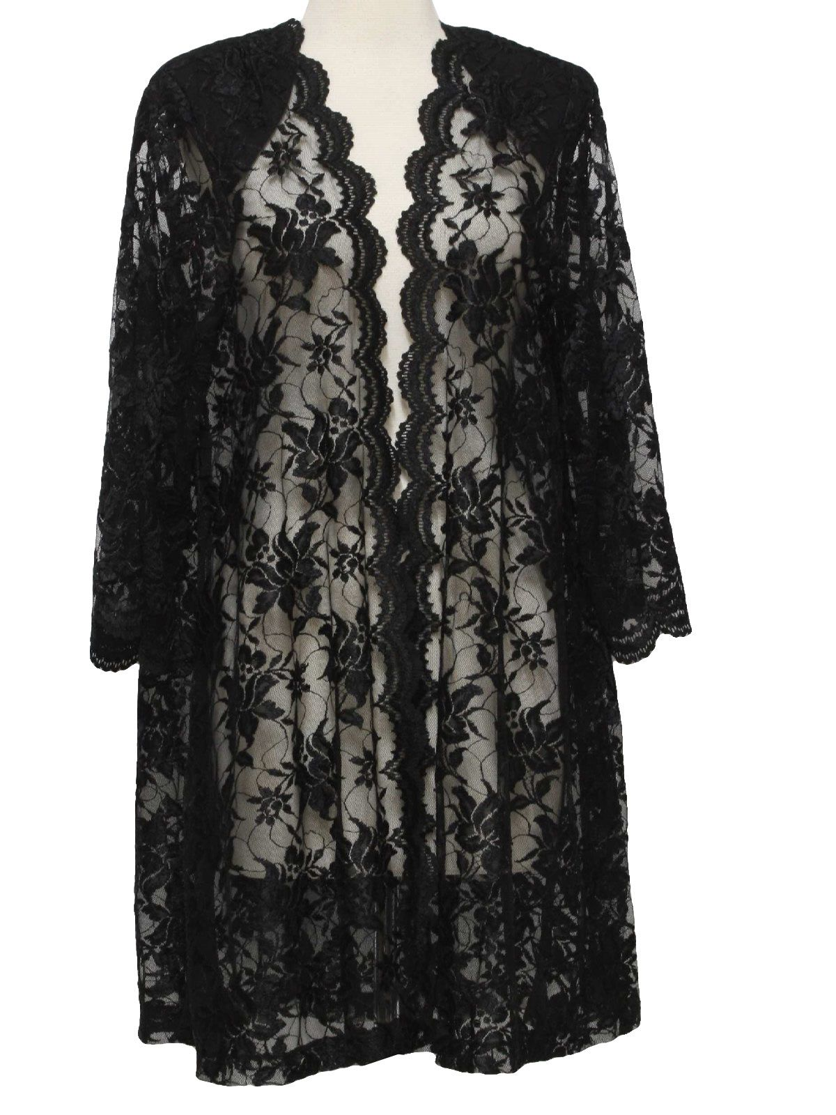 70s -Decisions- Womens black, blended rayon, floral lace, jacket, having bell shaped, scalloped edge, longsleeves, as is the clutch front. Would look so cool over a tight black dress and belted
