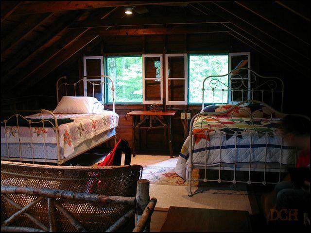 Best 25+ Lake House Bedrooms Ideas On Pinterest
