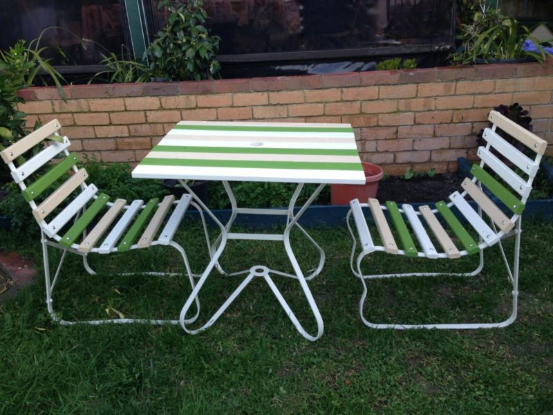 Retro Vintage Outdoor Slatted Timber Outdoor Setting Wrought Iron