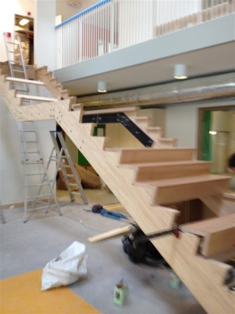 Afbeeldingsresultaat voor trap buiten tuintrap for Trap buiten hout