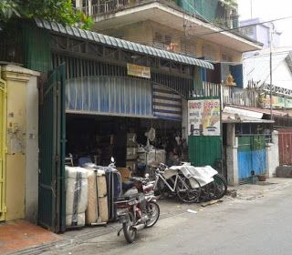 Tips, tricks, & advice from a  live music, bar,  restaurant in Phnom Penh.: Equinox may be gone but the info from this blog ke...