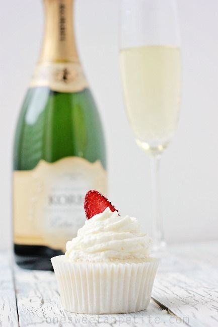 champagne and cupcakes