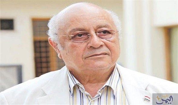 رحيل الشاعر سيد حجاب بعد معاناته من مرض الضغط Egypt Today Coat Lab Coat