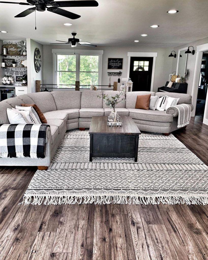 Farmhouse Living Room Ideas - SwankyDen.com
