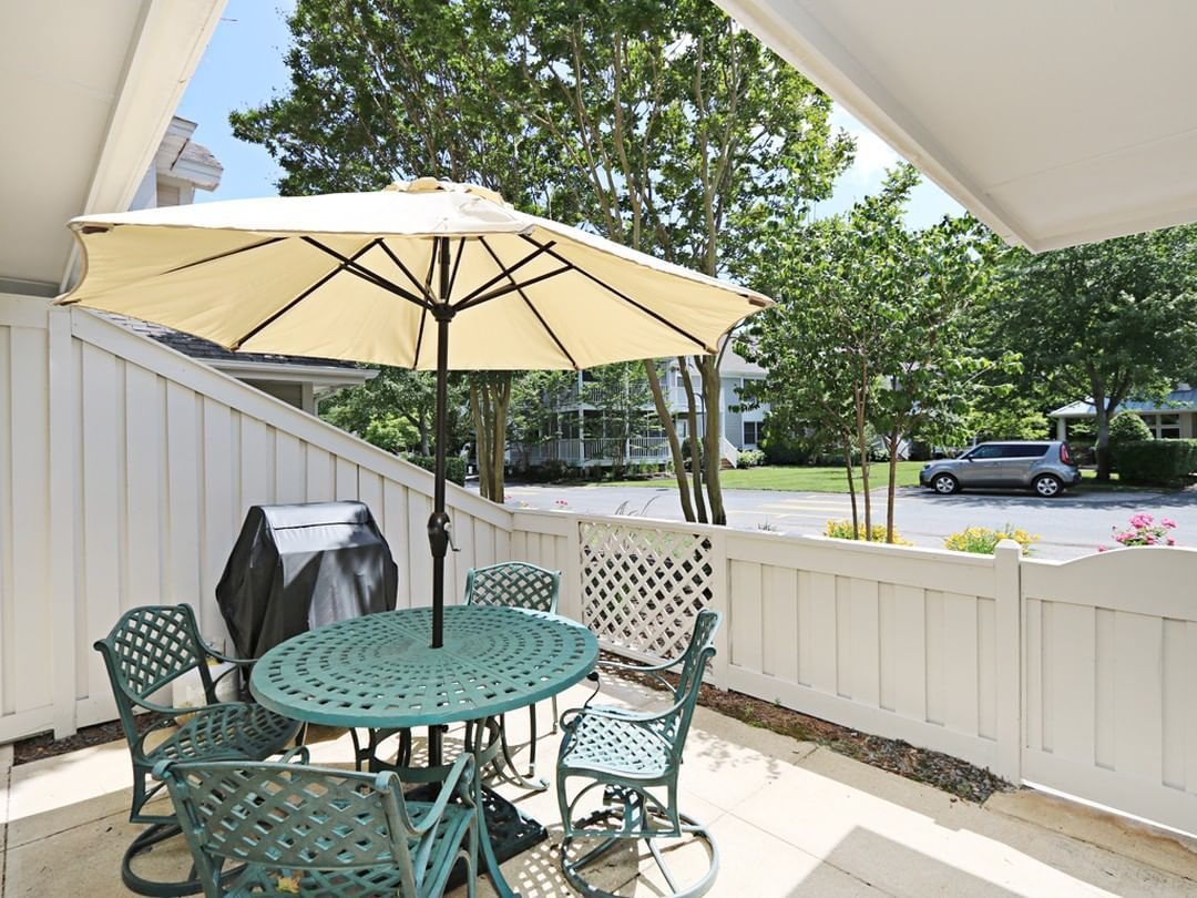 Just Listed For 2019 Rentals Stroll To Pools Fitness Center More From This Spacious Updated Sea Colony Bethan Bethany Beach Vacation Rental House Rental