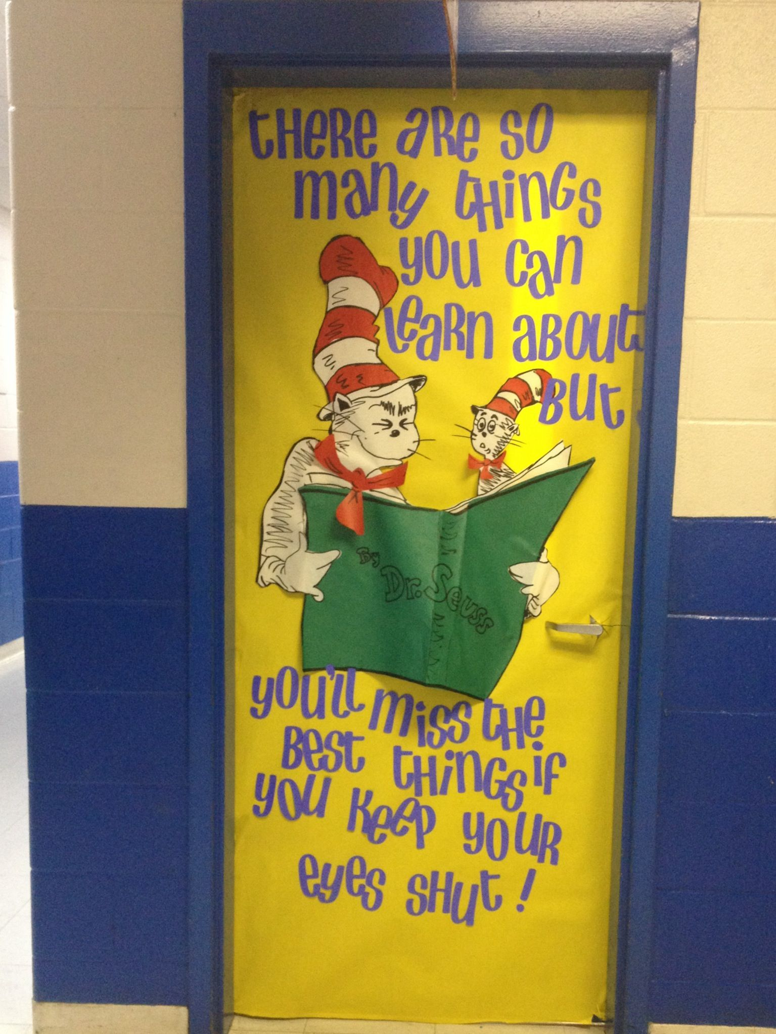 I can read with my eyes shut by Dr. Seuss classroom door decoration.