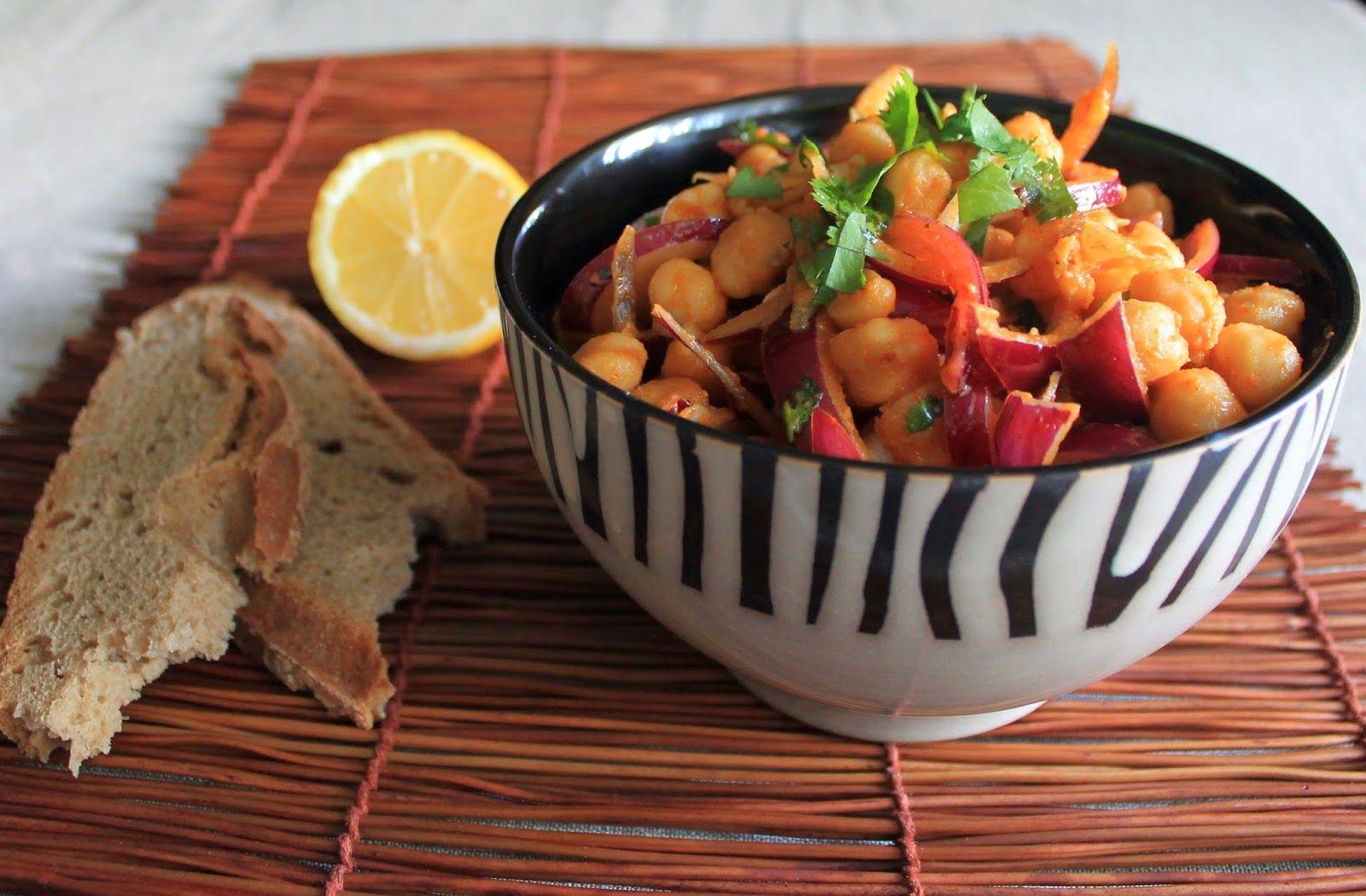 PRINCIPIANDO EN LA COCINA: Ensalada de garbanzos con cebolla y pimentón