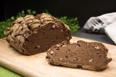 Das Zwiebel-Walnuss-Brot ist low-carb und glutenfrei. Es ist schön deftig und schmeckt richtig lecker. Zudem ist es einfach umzusetzen.