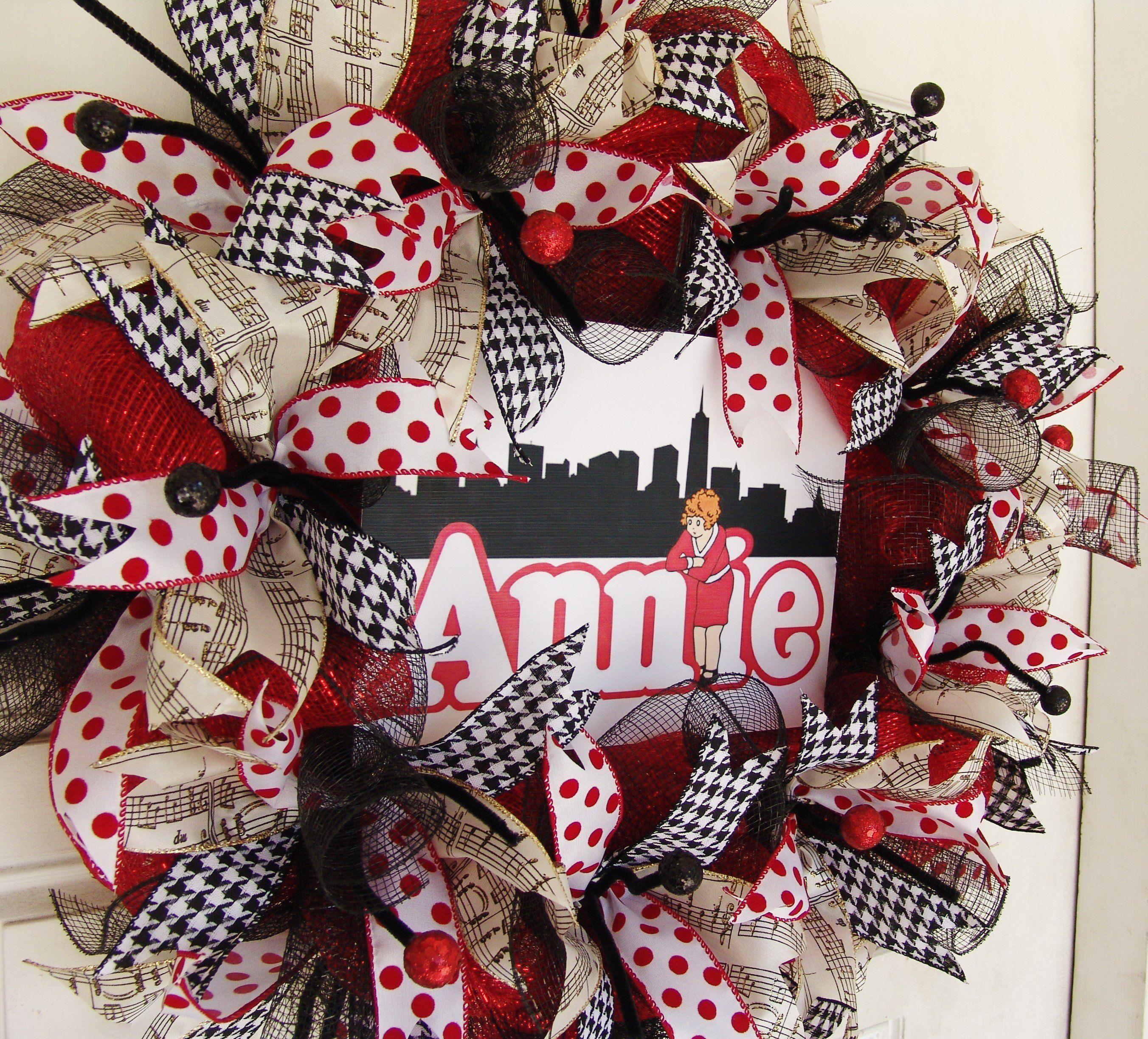 Annie Deco Mesh Wreath Musical Theater Broadway Movie Front Door