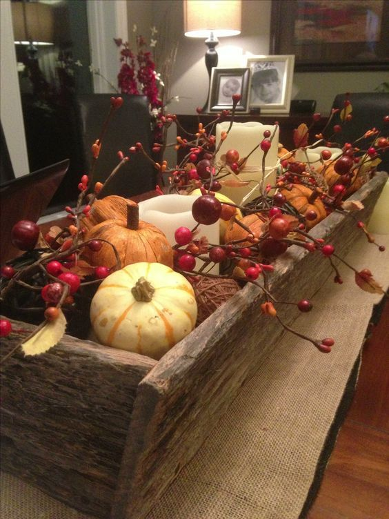 Fall planter box for the dining table made from reclaimed barn wood.: #herbstdekotisch