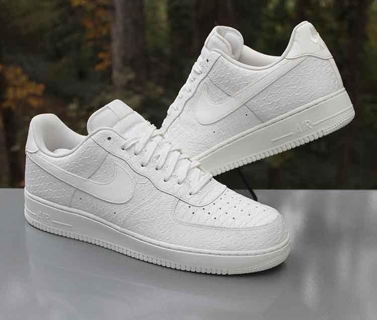 pluma naranja Buzo  Nike Air Force 1 '07 LV8 Low Triple White Snakeskin 718152-702 Men's Size  15 #Nike #AthleticSneakers | Nike air force, Nike, Sneakers nike