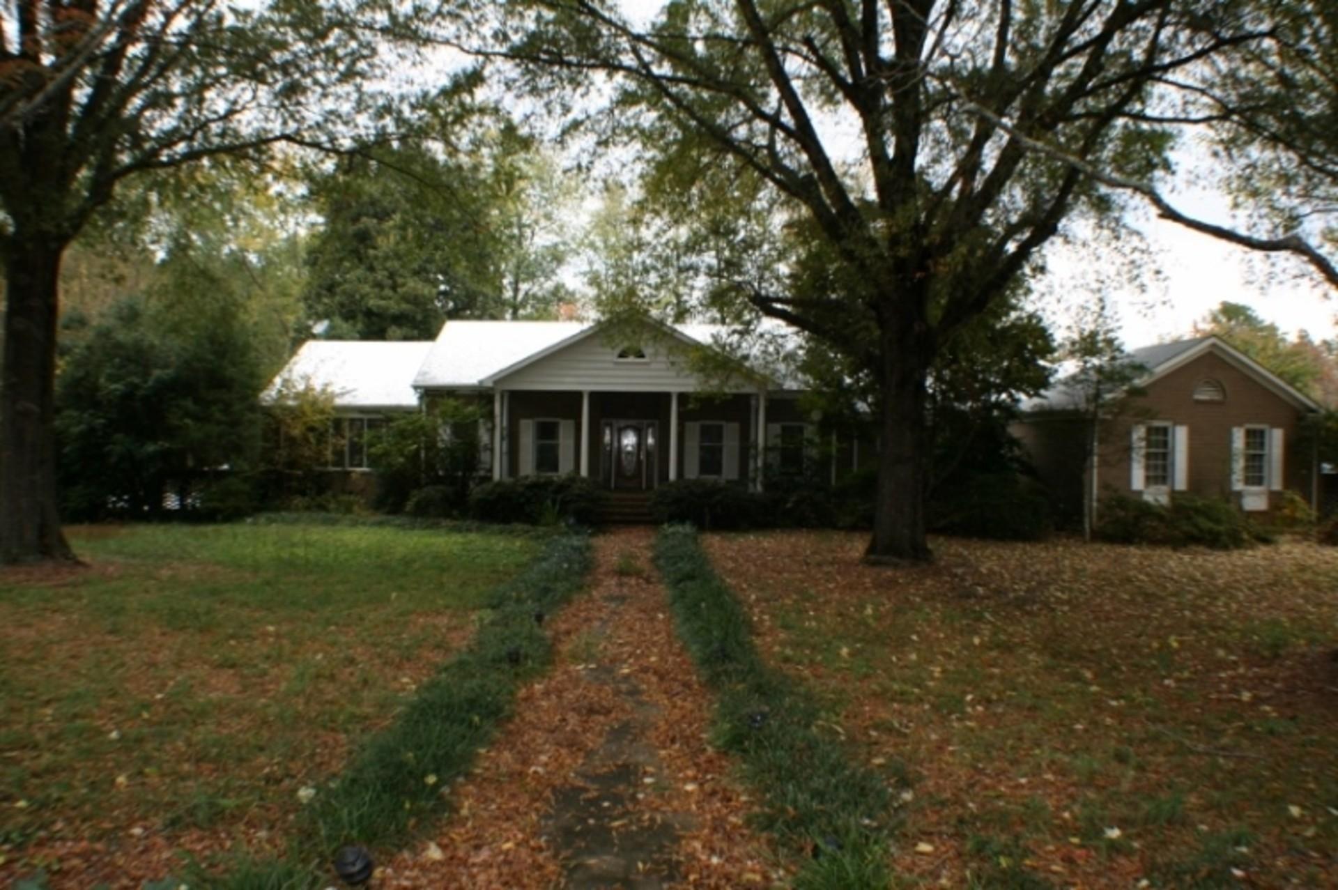 1204 Roe Ford Road Greenville Sc Trulia Trulia Manor House Search