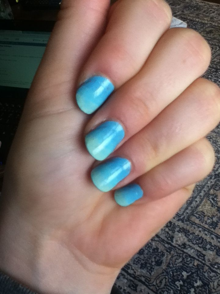 mermaid transition nails