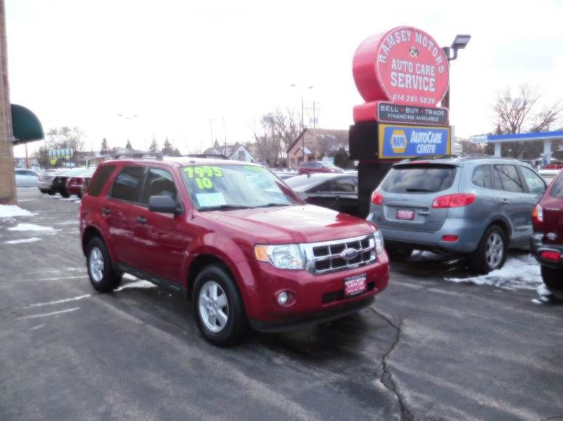 This 2010 Ford Escape Xlt Is Listed On Carsforsale Com For 7 995 In Milwaukee Wi This Vehicle Includes 2 Stage Unlocking Doors A Ford Escape Xlt Ford Vehicles