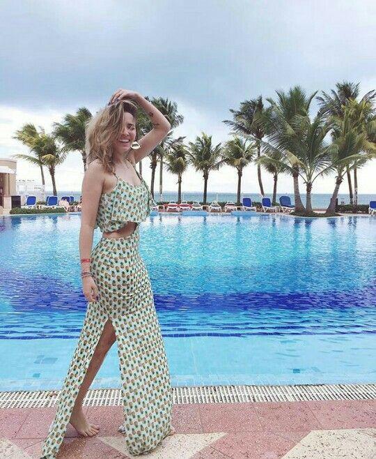 Taciele Alcolea em Cancún- México   Style em 2019   Outfits for ... cf147ae10e