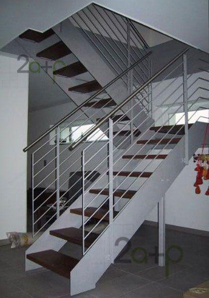 Escalera recta de 2 ejes en u de hierro y madera gradas for Escaleras interiores de hierro