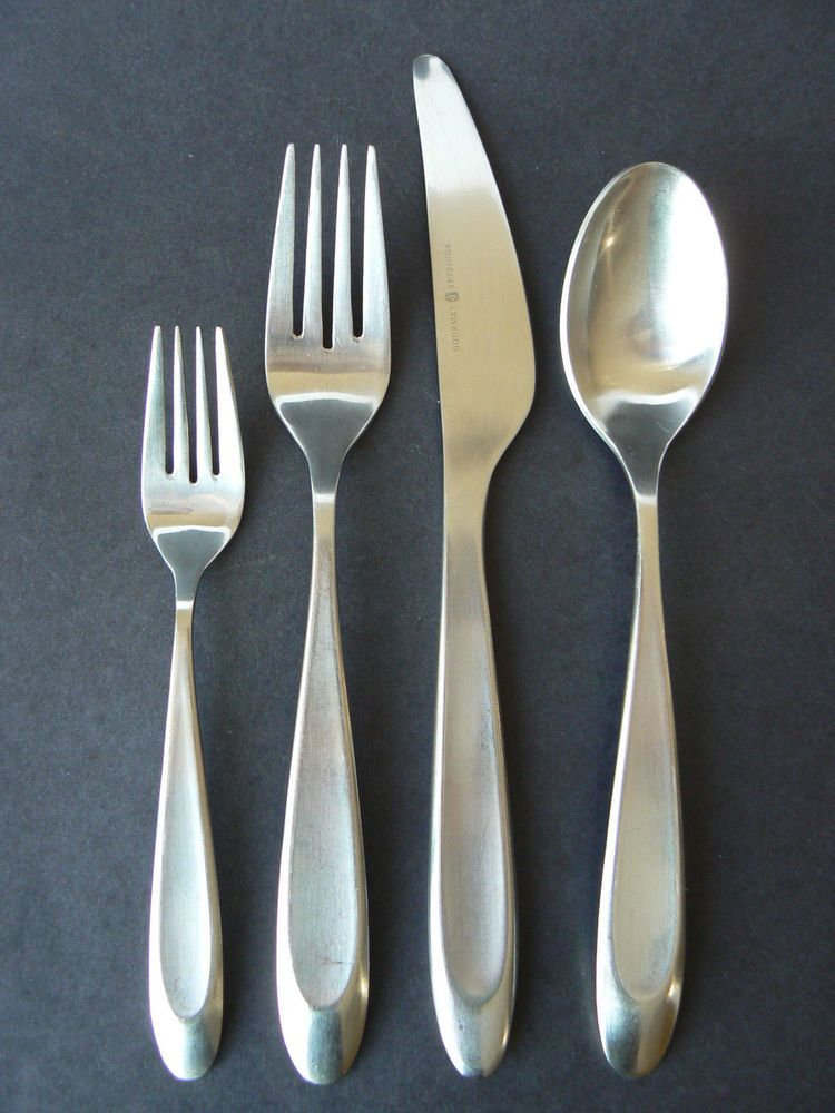 Gourmet Settings Stainless Silverware Soup Spoon NEW WAVE