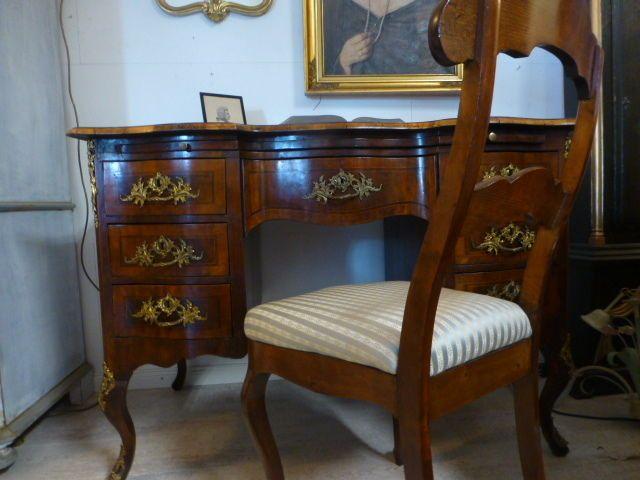 Alter sekret r mit stuhl nussbaum mit intarsien anfang for Stuhl design 20 jahrhundert