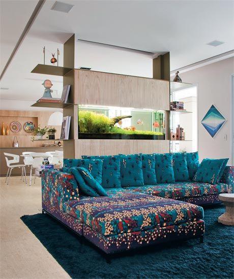 casa-claudia-dezembro-aquario-sofa-estampa-floral-decoracao_01