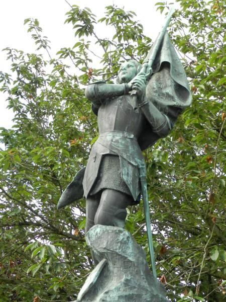 Jeanne d'Arc invoquant le ciel avant le combat – Laval. Pays-de-la-Loire