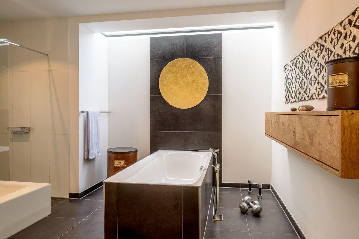 innenarchitektur designhaus pawliczec von baufritz badezimmer fliesen schwarz einrichtung wei. Black Bedroom Furniture Sets. Home Design Ideas