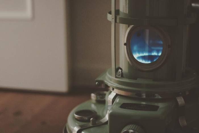 美しい青い炎。この炎の色も「ブルーフレーム」ならではの特徴です。
