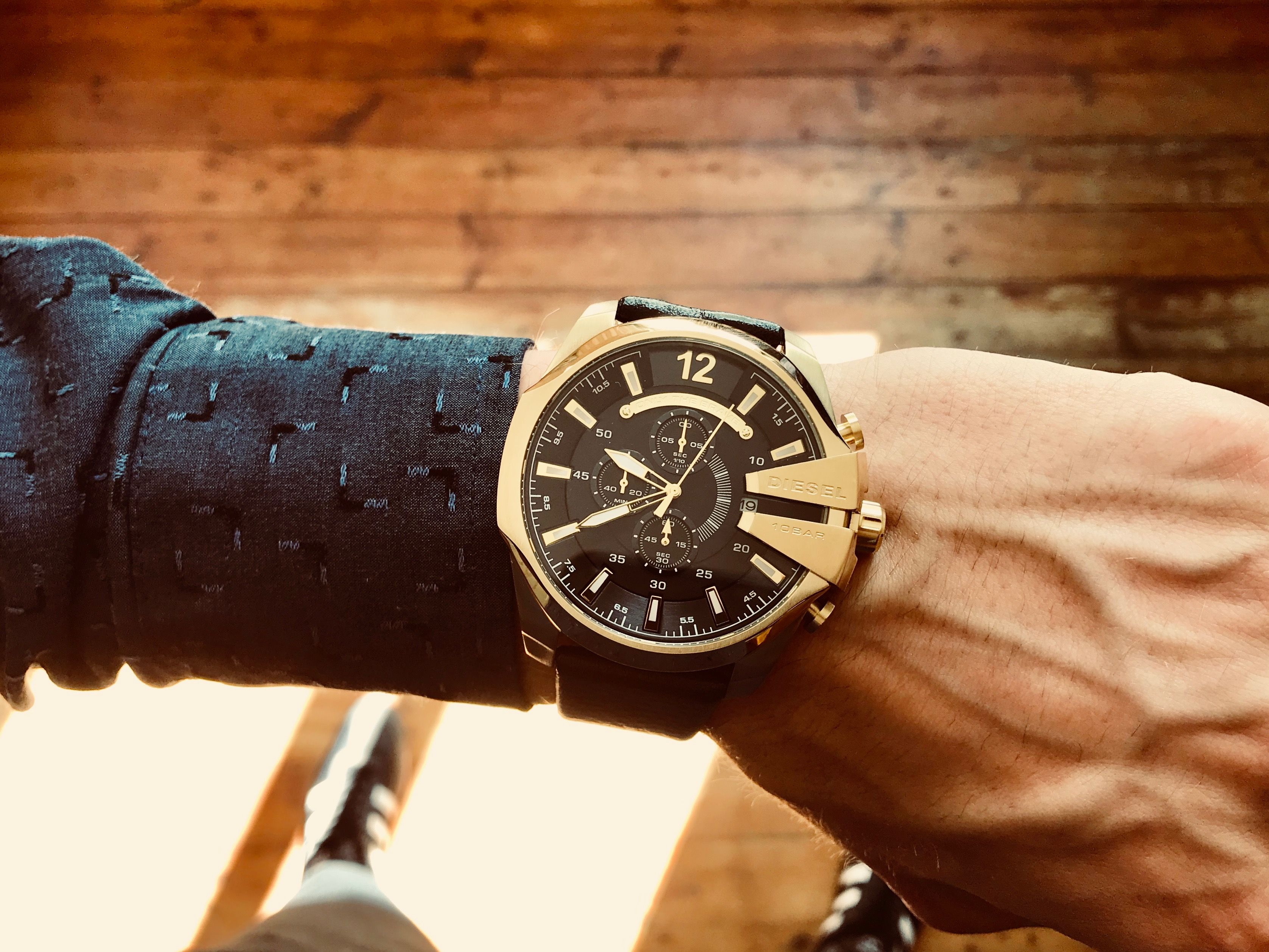 5480c59b56e Diesel Mens Watch DZ4344 The Stunning Mega Chief Gold Dial Black Leather  Quartz Chronograph