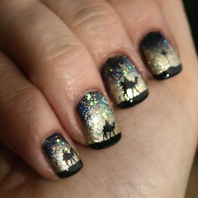 15 Beautiful Nail Art Ideas To Get You Into The Holiday Spirit ...